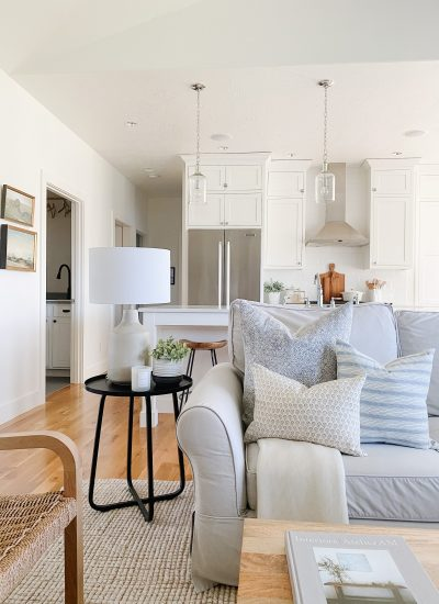 How To Decorate With Throw Pillows: 8 Pillow Combinations