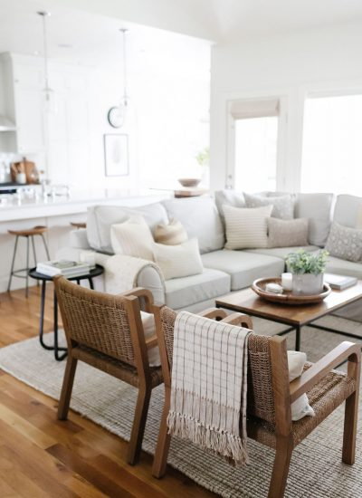 Summer Decor In The Living Room:  A Photo Tour