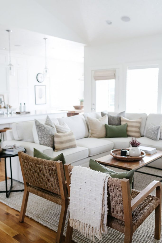 fall living room tour a cozy Pottery Barn Sectional filled with fall pillows