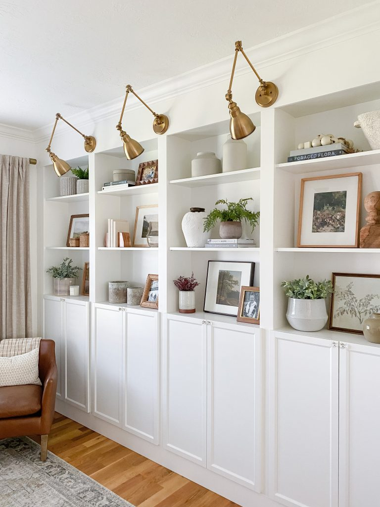 How to style bookshelves for fall using 6 simple steps